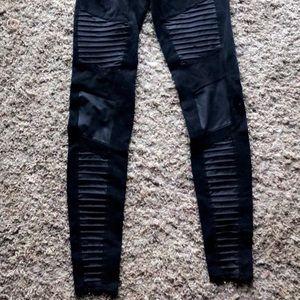 Alo Yoga moto leggings black medium